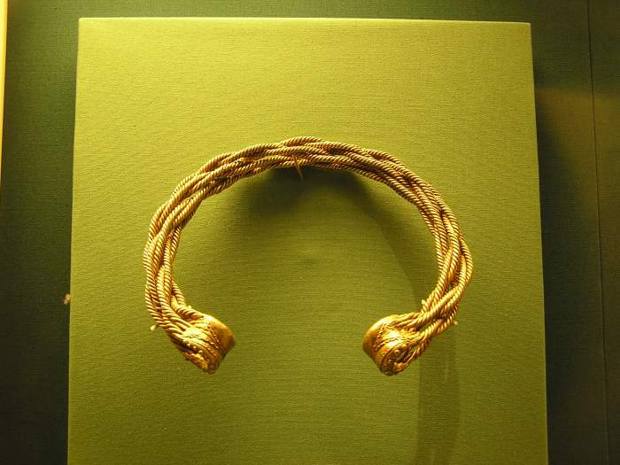 Torc made with twisted gold wire