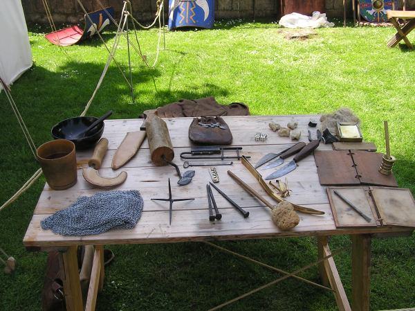 Display of repro Roman items