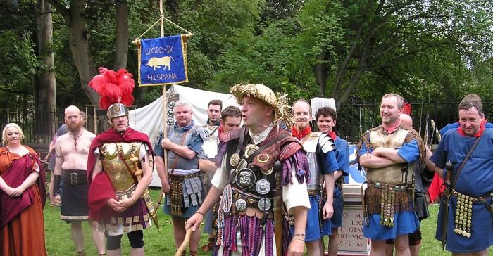 Centurion in straw hat. Soldiers