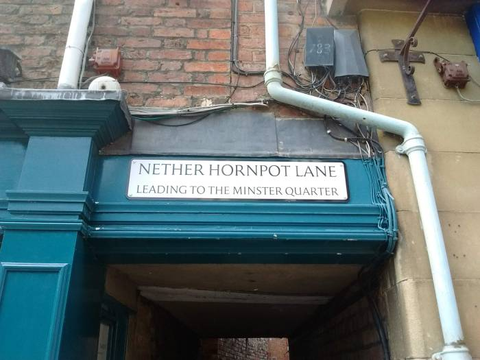Sign saying Nether Hornpot Lane